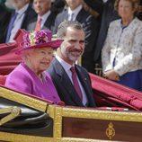 La Reina Isabel y el Rey Felipe en coche de caballos en Londres