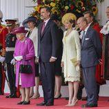 Los Reyes Felipe y Letizia con la Reina Isabel y el Duque de Edimburgo en la recepción con motivo de su Viaje de Estado a Reino Unido