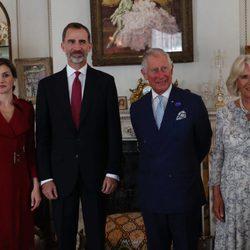 Los Reyes Felipe y Letizia con el Príncipe Carlos y Camilla Parker en Clarence House en su Viaje de Estado a Reino Unido