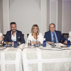 Terelu Campos, Kike Calleja, Rosa Villacastín y Alfredo Urdaci en la presentación de 'Frente al espejo'