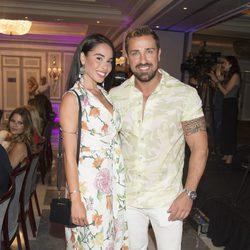 Rafa Mora y su novia Macarena en la presentación del libro de Terelu Campos
