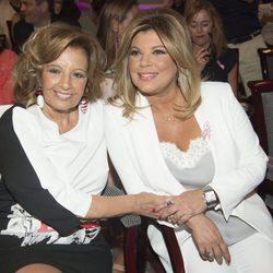 Terelu Campos y su madre María Teresa Campos, durante la presentación del libro