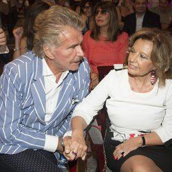 Teresa Campos y Bigote Arrocet, muy cariñosos en la presentación del libro de Terelu Campos