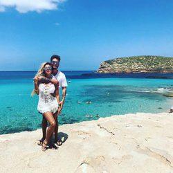Bea y Rodri disfrutando de sus vacaciones en Ibiza