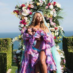 Beyoncé presenta a sus dos mellizos Sir y Rumi Carter