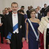 Los Reyes Felipe y Letizia en la cena en su honor en Guildhall