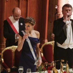 La Reina Letizia con Sir Timothy Laurence en el brindis de la cena de gala en Guildhall