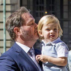Chris O'Neill con su hijo Nicolás de Suecia en el 40 cumpleaños de Victoria de Suecia