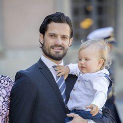 Carlos Felipe de Suecia con su hijo Alejandro en el 40 cumpleaños de Victoria de Suecia