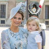 Magdalena de Suecia con su hijo Nicolás en el 40 cumpleaños de Victoria de Suecia