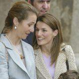 La Reina Letizia, muy cómplice con la Infanta Elena junto a Froilán