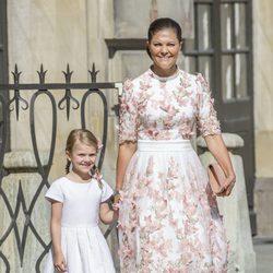 Victoria de Suecia con su hija Estela en la celebración de su 40 cumpleaños