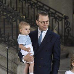 Daniel de Suecia con su hijo Oscar en el 40 cumpleaños de Victoria de Suecia