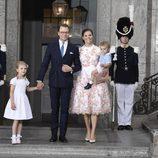 Victoria de Suecia con el Príncipe Daniel y sus hijos Estela y Oscar de Suecia en su 40 cumpleaños