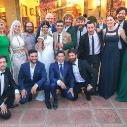 Canco Rodríguez, su mujer Marta Nogal y muchos amigos durante su boda