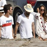 Jon Kortajarena y Alicia Vikander por la splayas e Ibiza