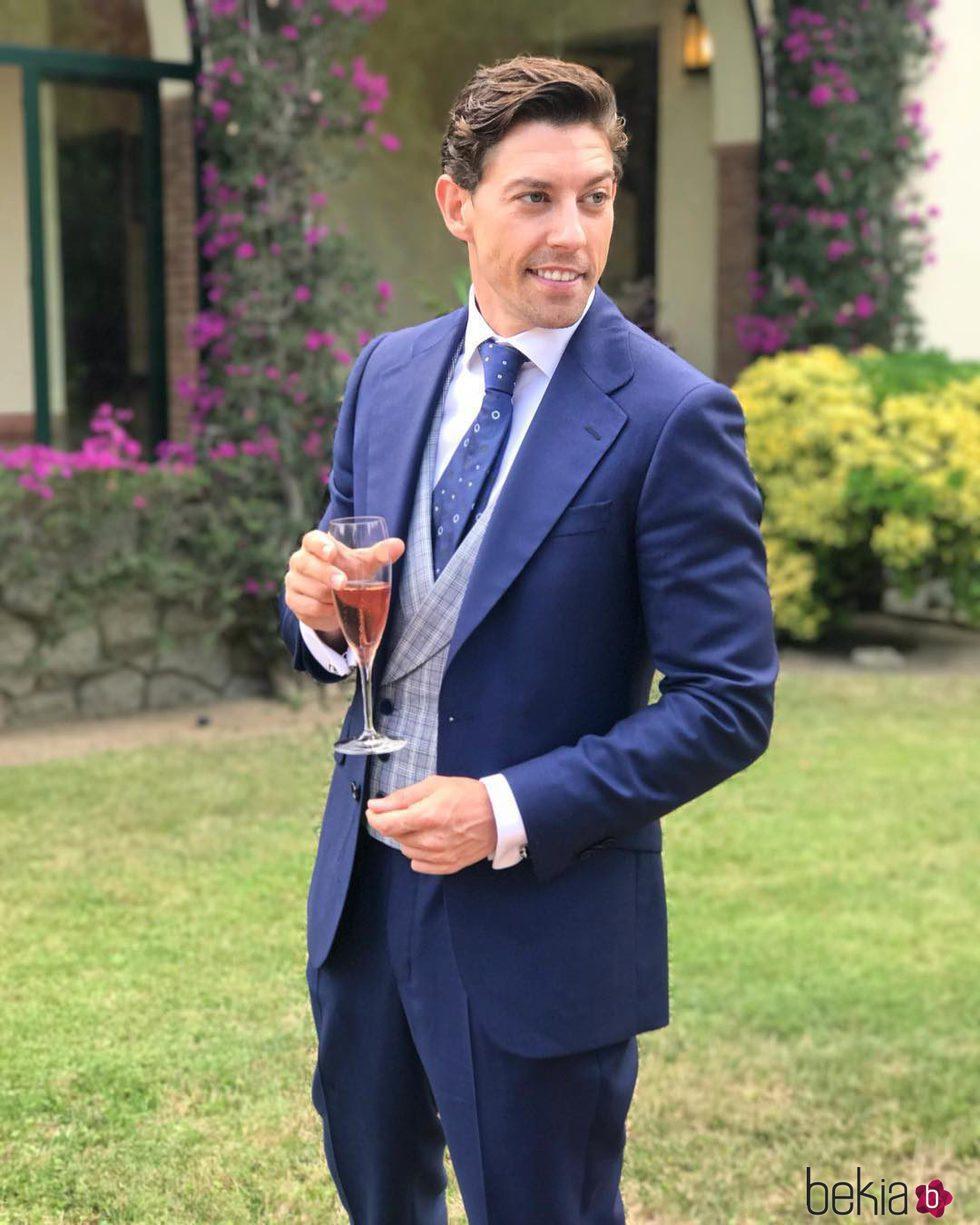 Adrián Lastra en la boda de Canco Rodríguez y Marta Nogal