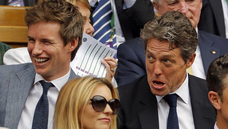 Eddie Redmayne uy Hugh Grant en la final masculina de Wimbledon 2017