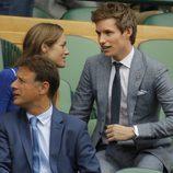 Eddie Redmayne y su mujer Hannah en la final masculina de Wimbledon 2017