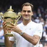 Roger Federer tras ganar la final masculina de Wimbledon 2017