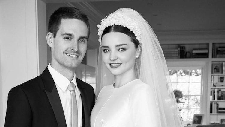 Evan Spiegel y Miranda Kerr el día de su boda