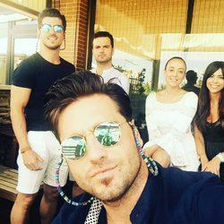 David Bustamante con sus hermanos Manuel e Igor y sus cuñadas