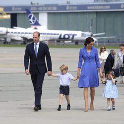 Los Duques de Cambridge y sus hijos se marchan de Polonia tras su visita oficial