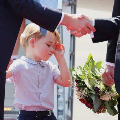 El Príncipe Jorge, muy cansado a su llegada a Alemania