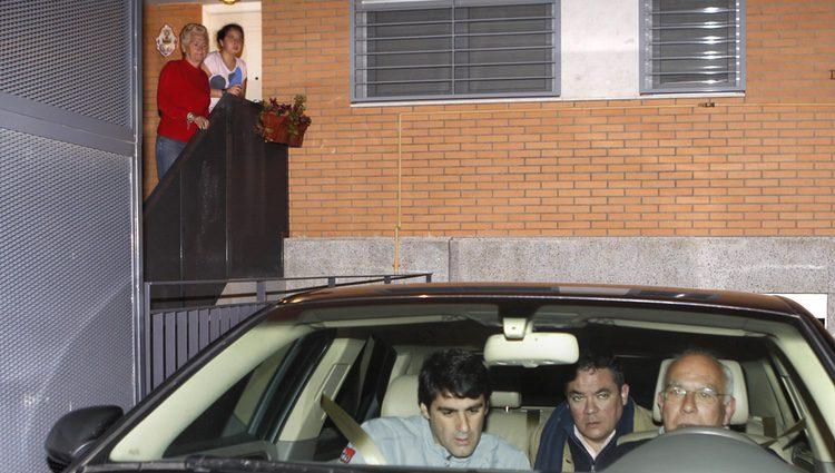 Andrea Janeiro despidiéndose de su padre Jesulín de Ubrique