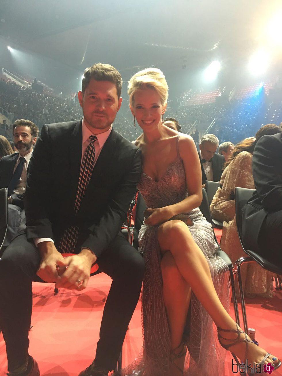 Luisana Lopilato y Michael Bublé en los Premios Platino 2017