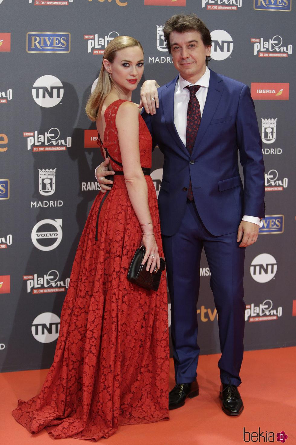 Marta Hazas y Javier Veiga en los Premios Platino 2017