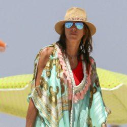 Paz Padilla disfrutando de un día de playa