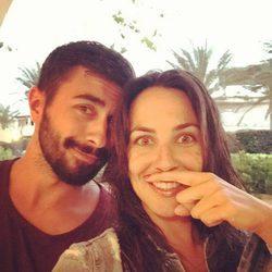 Irene Junquera y Rayden confirmando su relación