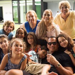 Jennifer Lopez y Alex Rodríguez con su familia