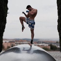 Julián Contreras Jr practicando boxeo