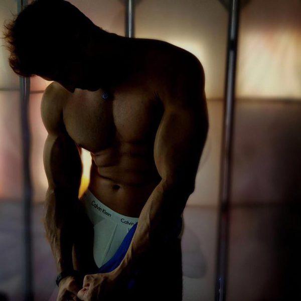 El cambio físico más sexy de Julián Contreras Jr.