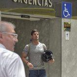 Aitor Ocio visitando a Ángel Nieto en el hospital