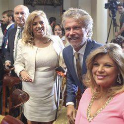 José Carlos Bernal, Carmen Borrego, Bigote Arrocet y Terelu Campos en el acto de entrega a María Teresa Campos la Medalla de Oro al Mérito en el Trabajo