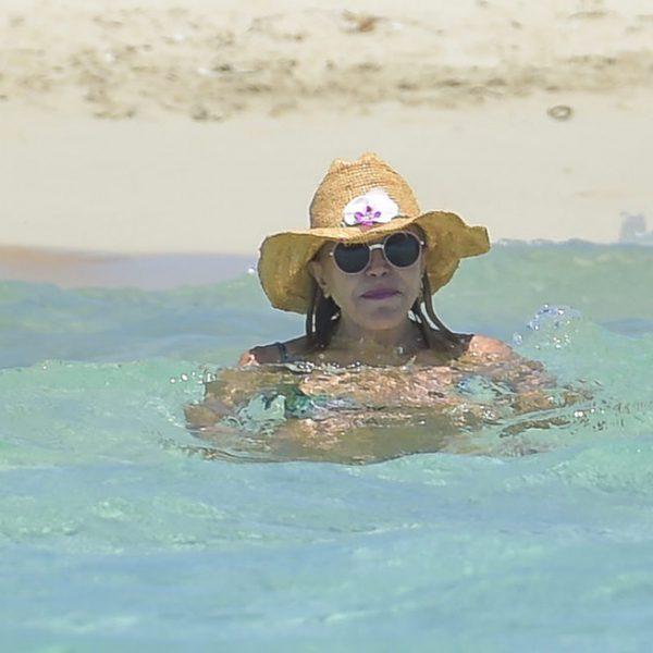 Tita Cervera, de vacaciones en Ibiza con sus hijas