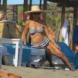 Carmen Lomana disfruta de las vacaciones en Marbella
