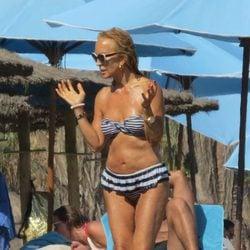 Carmen Lomana luce cuerpazo en Marbella