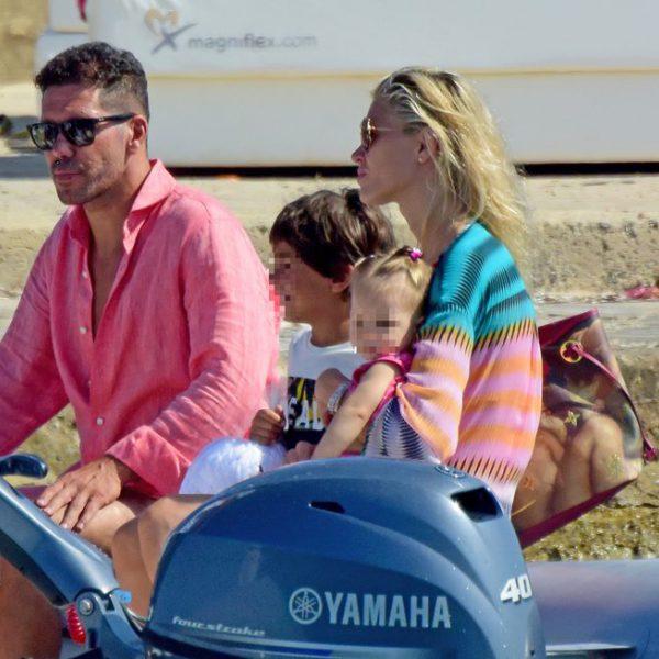 Diego Simeone y Carla Pereyra disfrutando de sus vacaciones en Formentera
