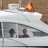 La Reina Sofía y la Infanta Elena en la lancha Somni