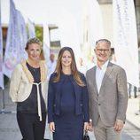 Sofia Hellqvist luciendo embarazo durante unas conferencias sobre sostenibilidad
