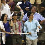 La Infanta Elena, Froilán y Victoria de Marichalar, muy emocionados en la corrida de toros nocturna de Palma