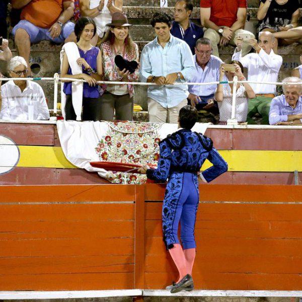Famosos en la corrida de toros nocturna de Palma
