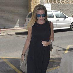 Marta Castro llegando al hospital de Ibiza donde se encontraba Ángel Nieto