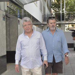 Enrique Cerezo visitando a Ángel Nieto en sus últimas horas de vida