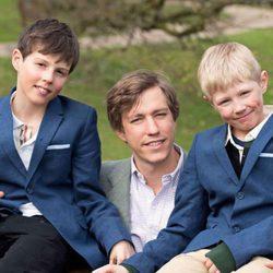 Luis de Luxemburgo con sus hijos Gabriel y Noé