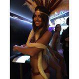 Cristina Pedroche posando muy sexy con una serpiente